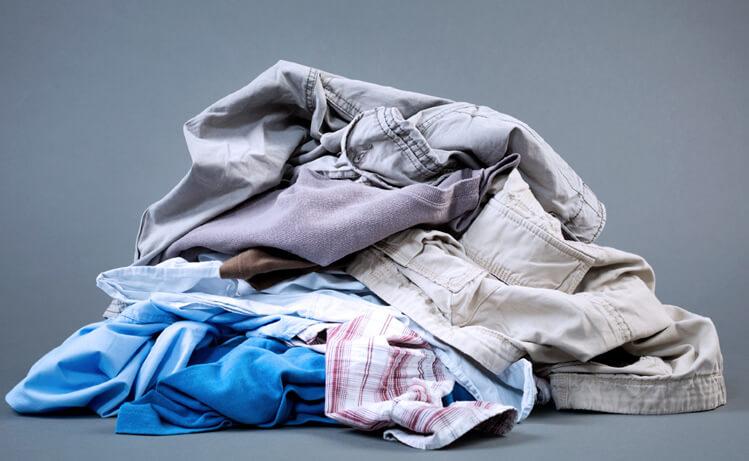 Få bort svettlukt från kläder